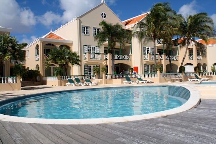 Stunning Oceanfront 2BR apartment - Kralendijk - Huoneisto
