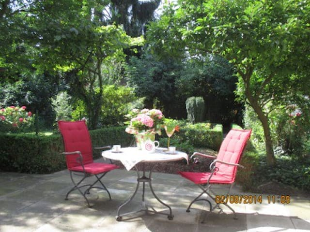 Apartment 5a in Neustadt close to airport w.garden