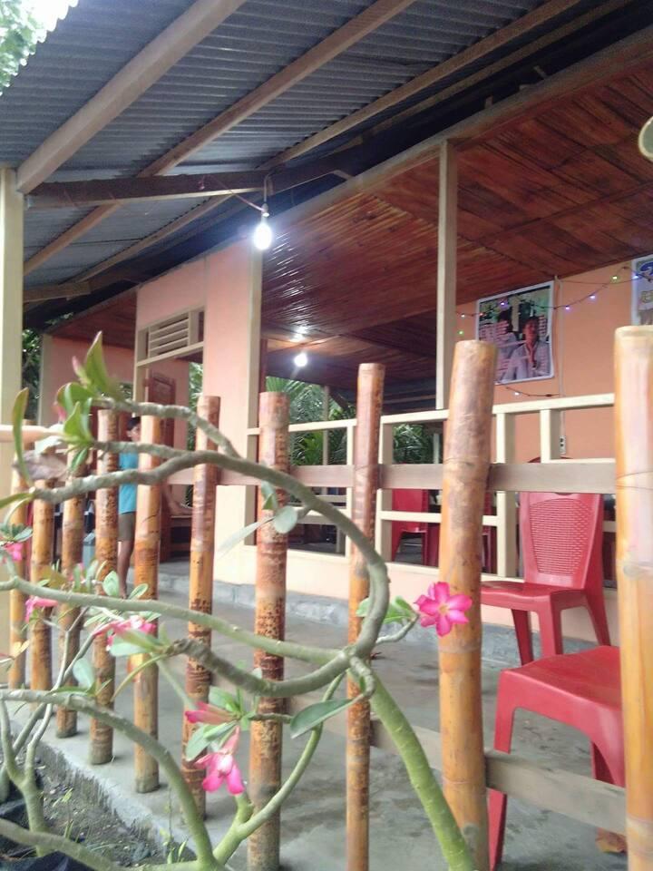 Uri Beach Home stay and Resto