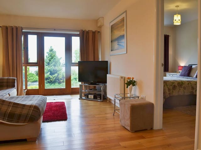 Two Elms Holiday Cottage 3