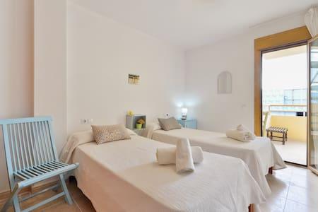 Habitación Doble con Terraza - Eivissa - Bed & Breakfast