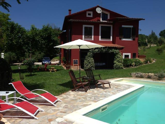 Podere le Case Rosse: Casale con piscina privata