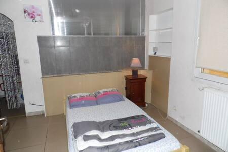 matelas dans chambre partagée - Valence - Ev