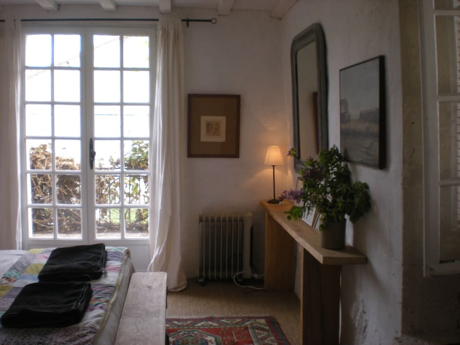 chambre prune.  Double room with balcony.  shower room