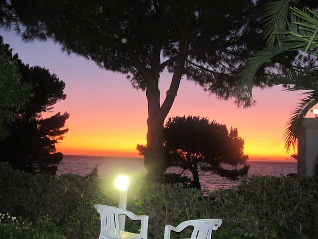 Villa con giardino spiaggia privata - s.marco di castellabate