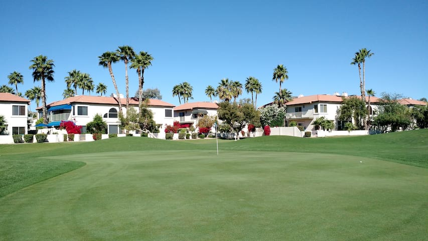 Desert Golf Retreat