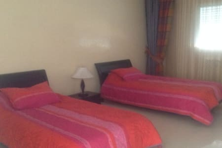 Twin bed room in Villa Abir - Monastir