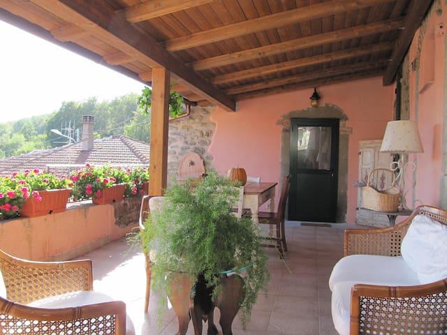 Affascinante casa in stile Toscano - Costamala