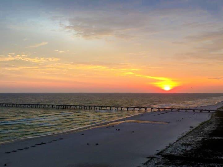 Beachfront 2BD,2BTH/Sterling Reef Resort 18th FLR
