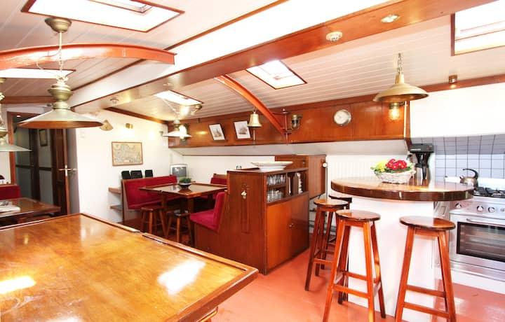 Sailing Ship Amsterdam Centre (1)