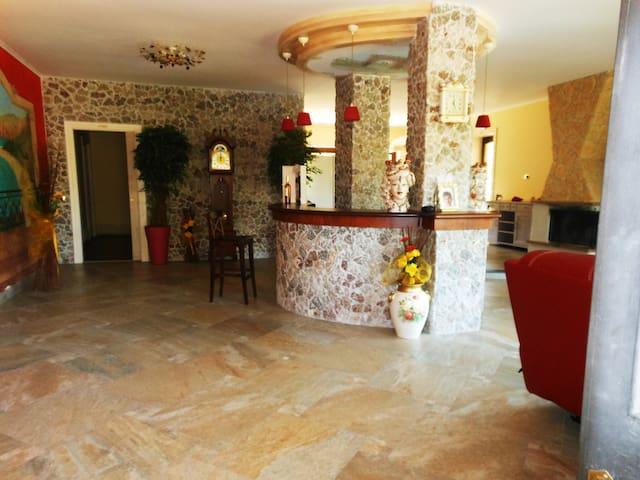 Appartamento Casa Vacanza in Villa - Viagrande Catania - Daire