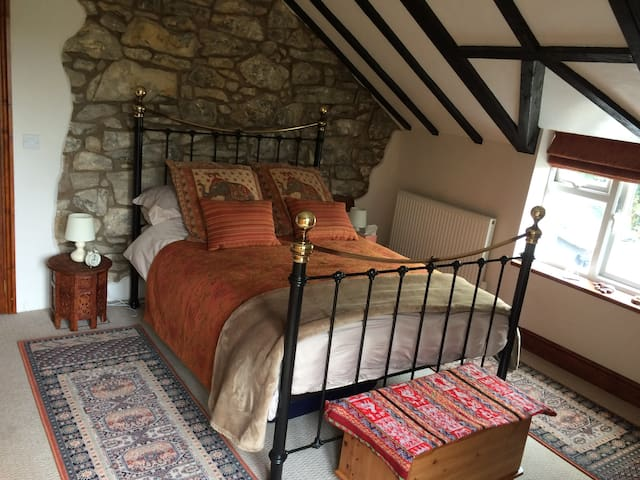 Large Double Ensuite Room with Stunning Views
