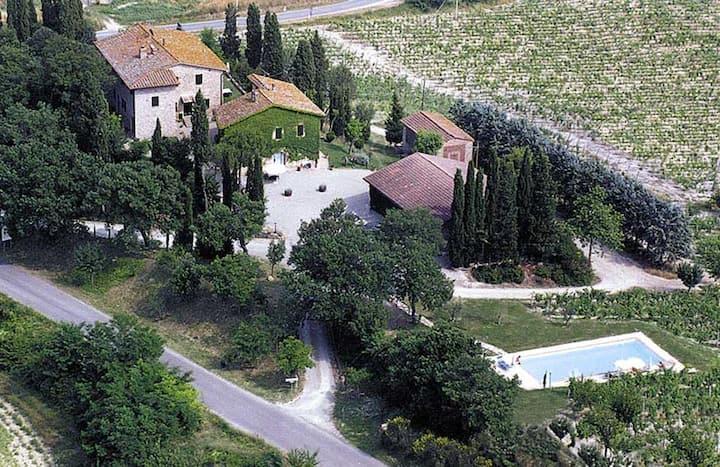 appartamento ampio antica fattoria San Gimignano