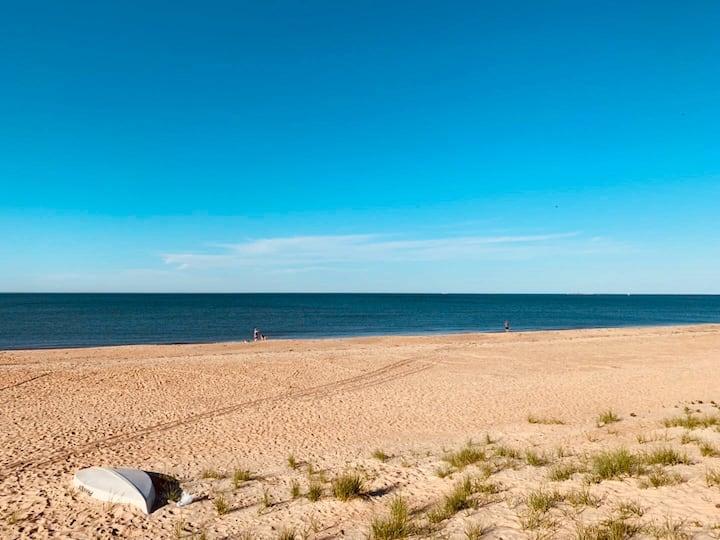 NEW *Beach Duplex*  3 Minute Walk to Beach,sleeps8