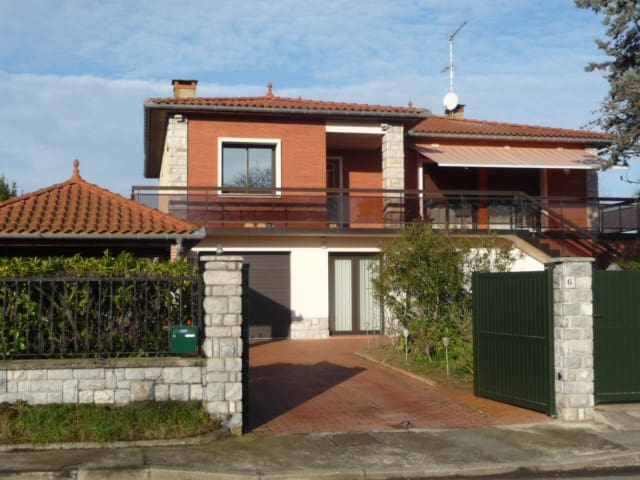Grande villa près de Toulouse. - Saint-Orens-de-Gameville - Villa