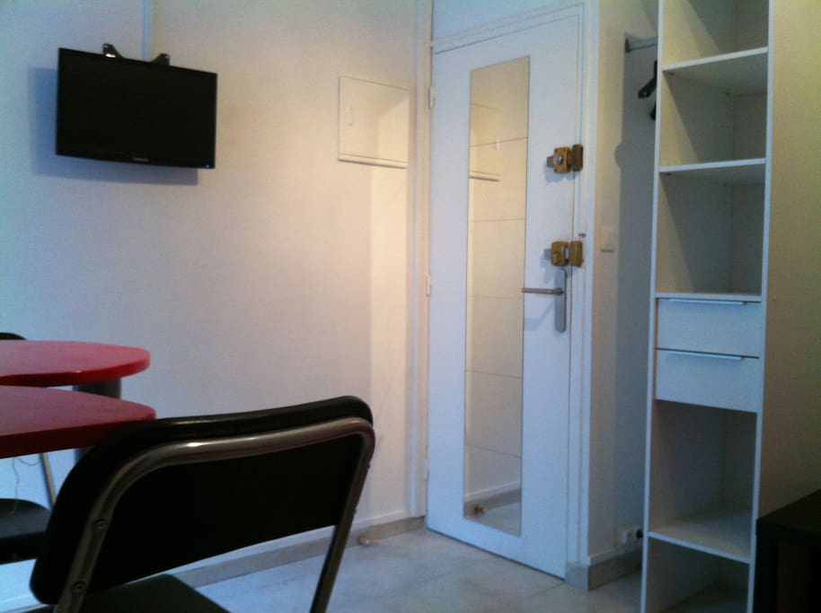 Charmant studio bordeaux centre appartements louer for Studio bordeaux a louer