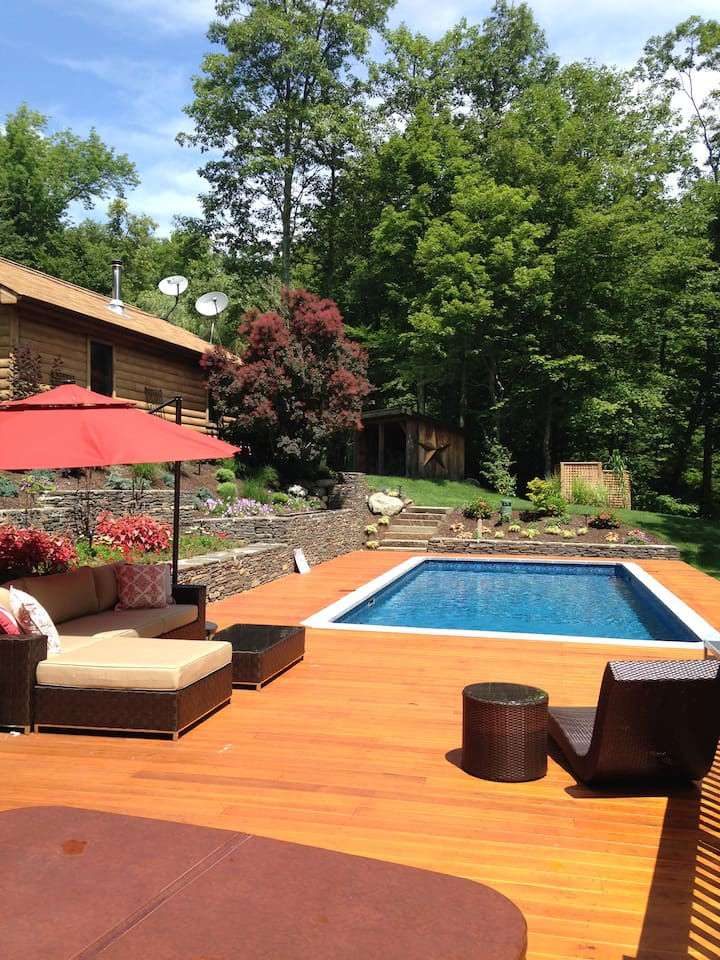 Mountaintop Catskills Retreat