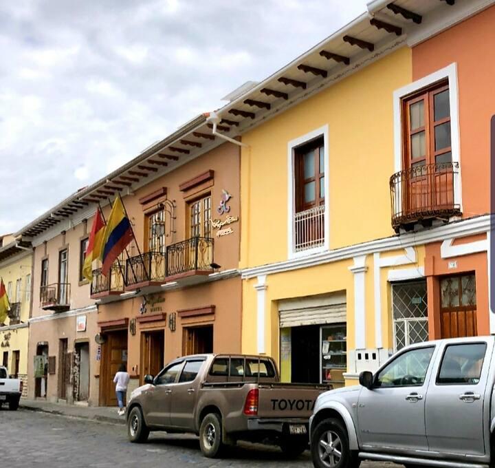 2 Bedroom Apartment  in Heart of Cuenca Apt B