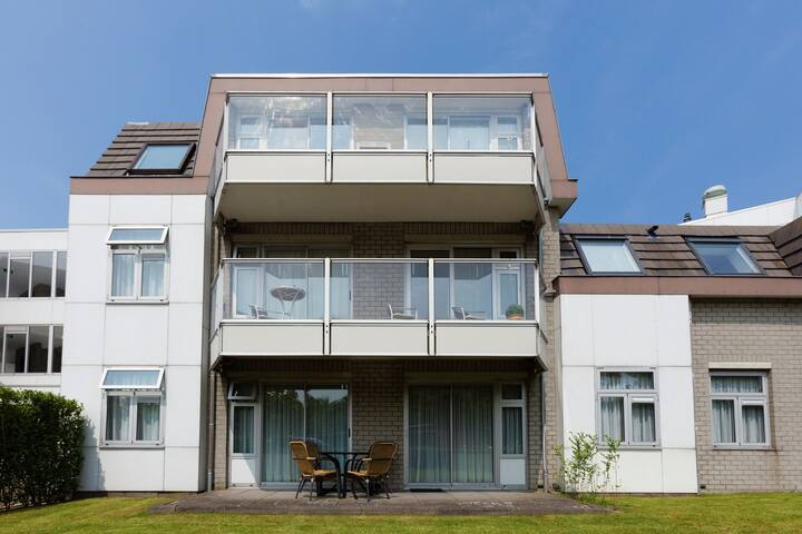 Comfortable apartment stone's throw from the sea, beach and dunes on Texel