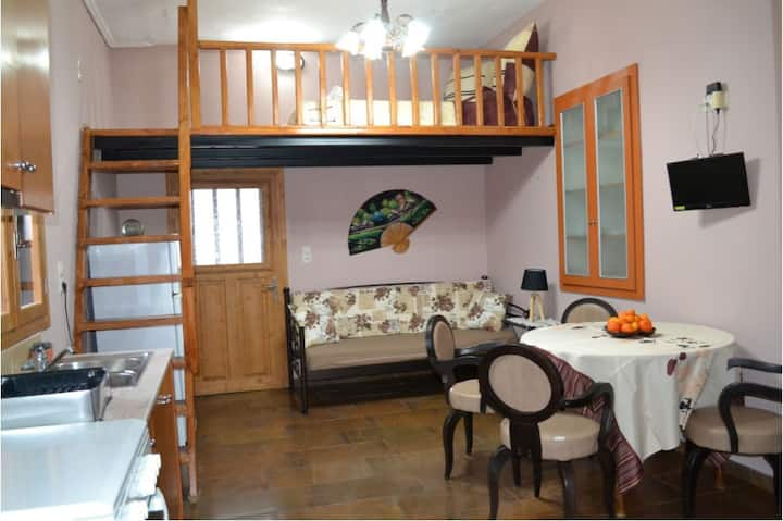 Studio in Vrontados, 150 m from the beach
