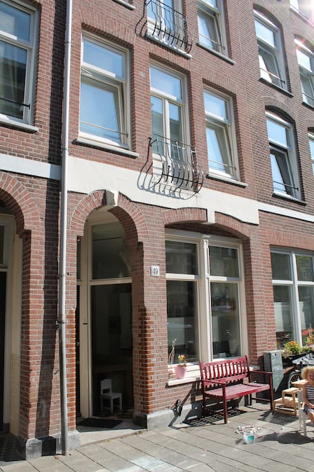 Authentic Amsterdam 'Herenhuis' from 1906