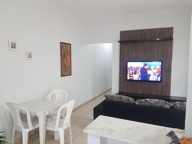 Casa2-Sala, cozinha, quarto confort, Wi-fi(Centro)