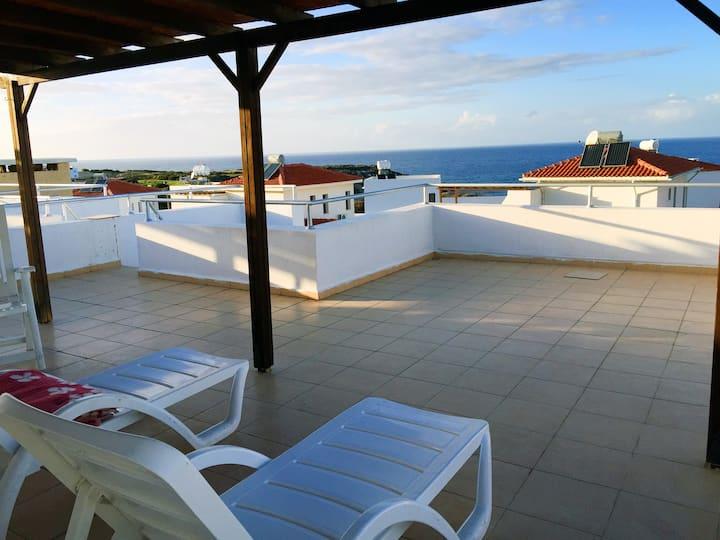 Солнечный апартамент на Кипре