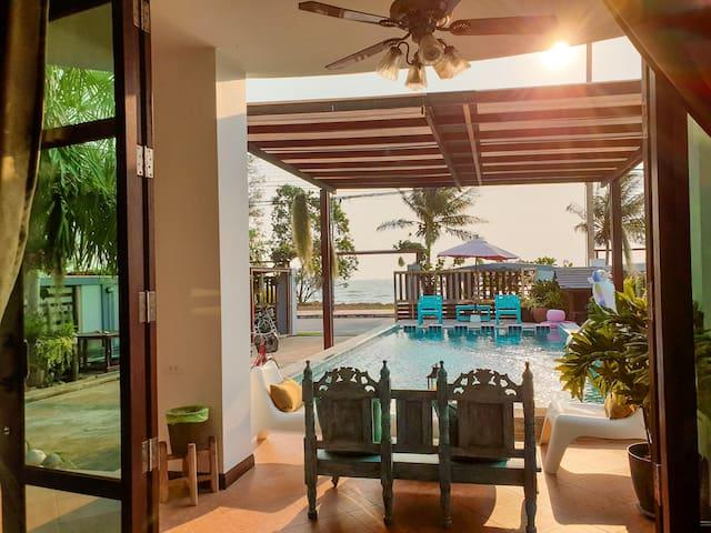 Baan Kin Pranburi - Beachfront & Pool Villa