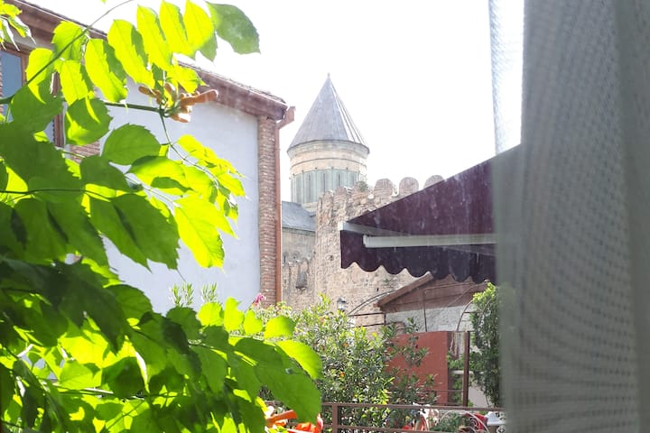 ★ 50% Off, Old house apartment with Garden area