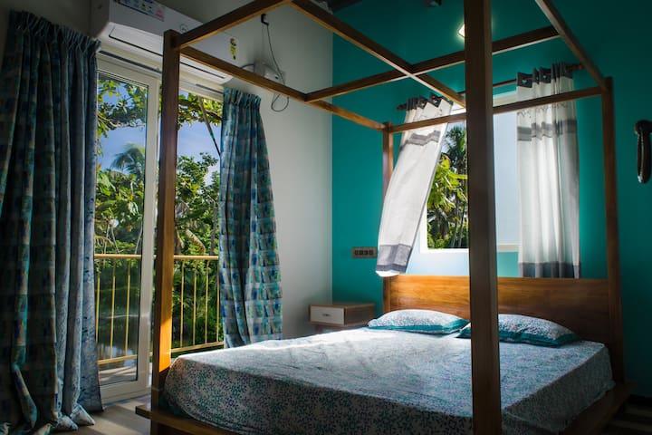 Inland Island HM suite