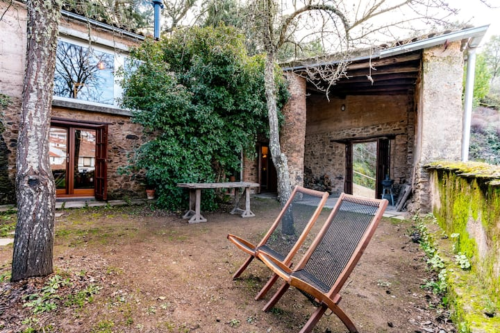 House El Zarzo de Nemesio, tradition & modernity.