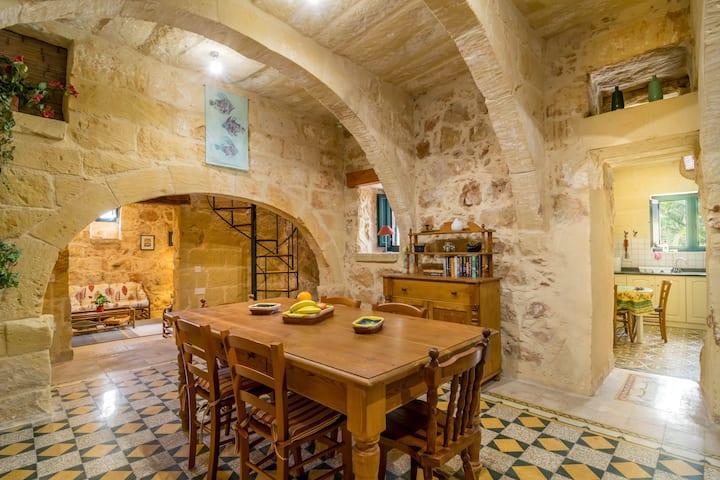 Dar Alessia - Xaghra Holiday Home