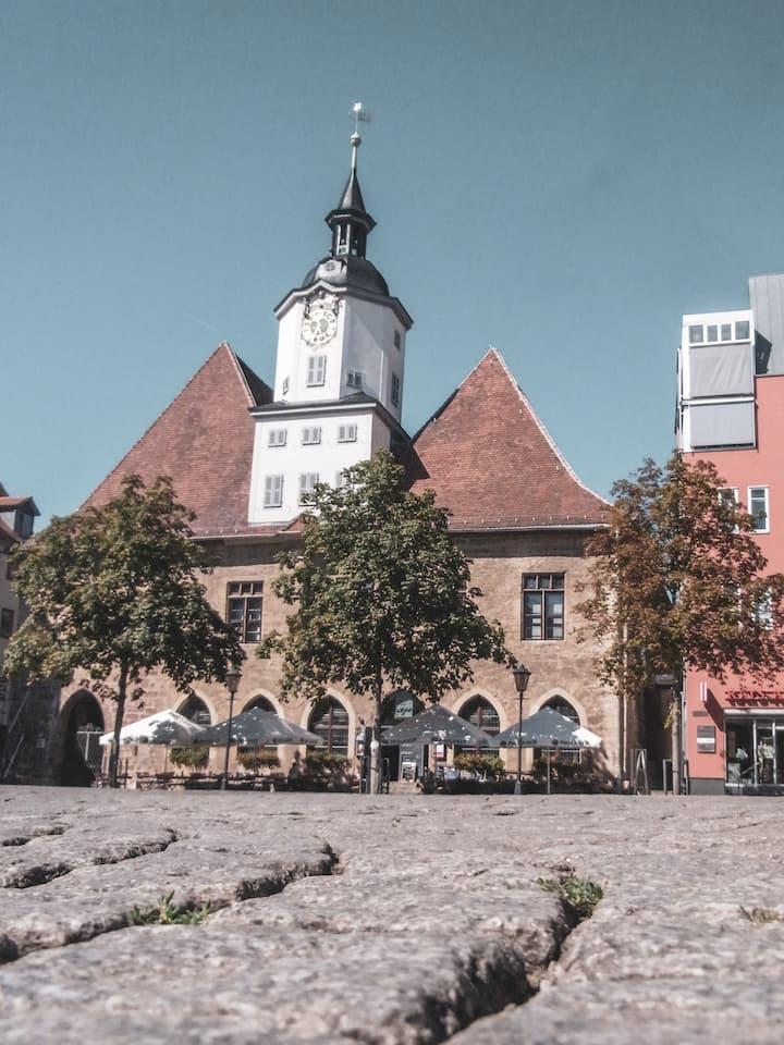 Das Jenaer Rathaus mit Schnapphans