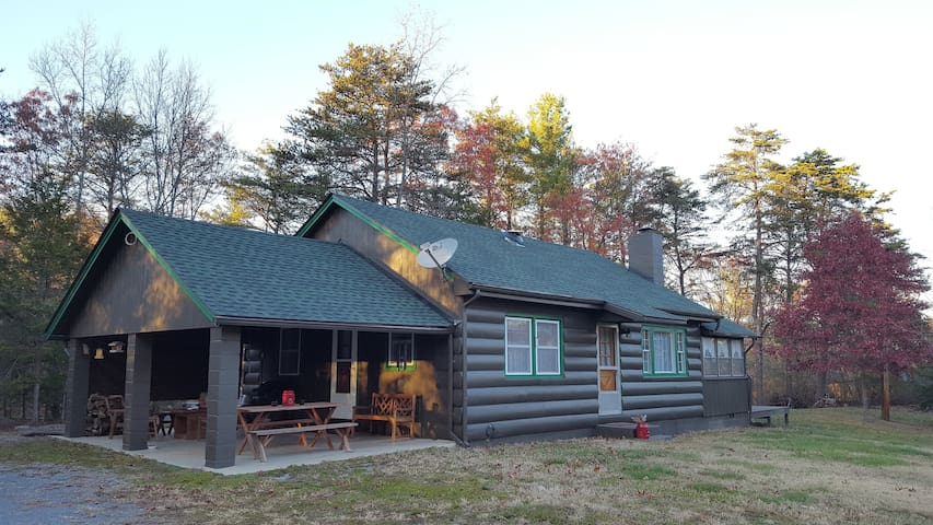 Pine Cone Cabin at Fort Valley