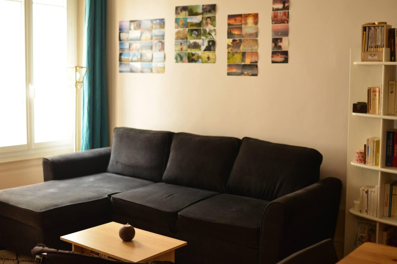 Salon (Canapé d'angle et table basse)