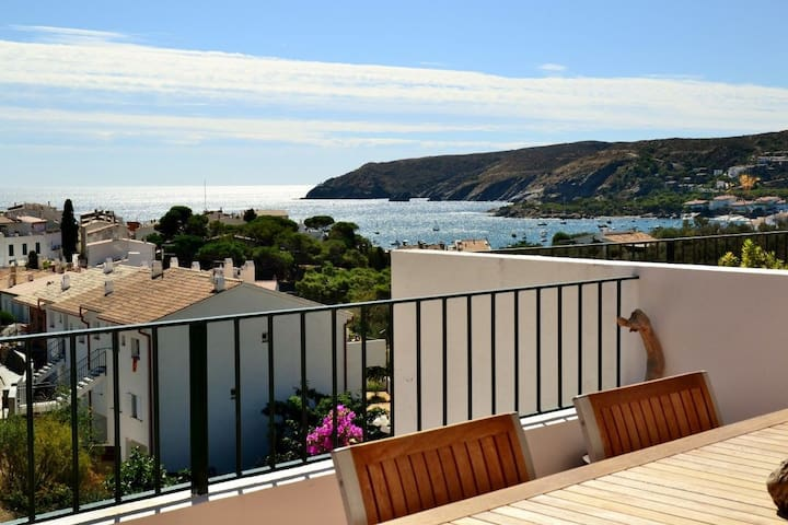 101.61.- Two bedrooms apartment with parking place and a terrace with sea views