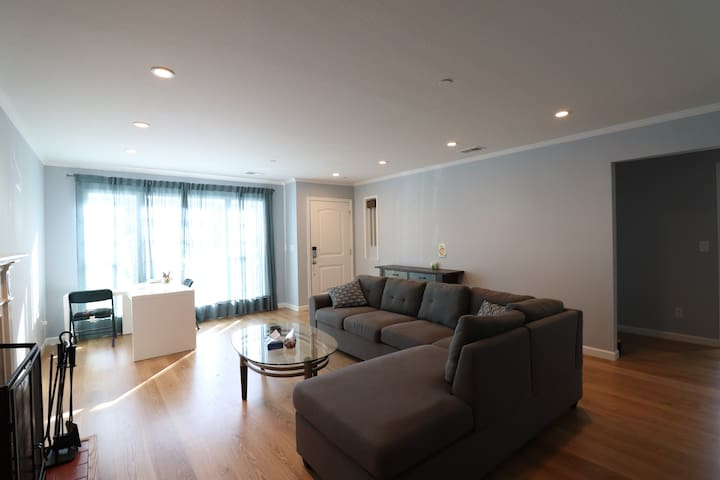 |C| Private Room near SFO and Downtown San Mateo