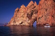 Réserve naturelle de Scandola classée par l'Unesco accessible au départ de Calvi (navettes maritimes)