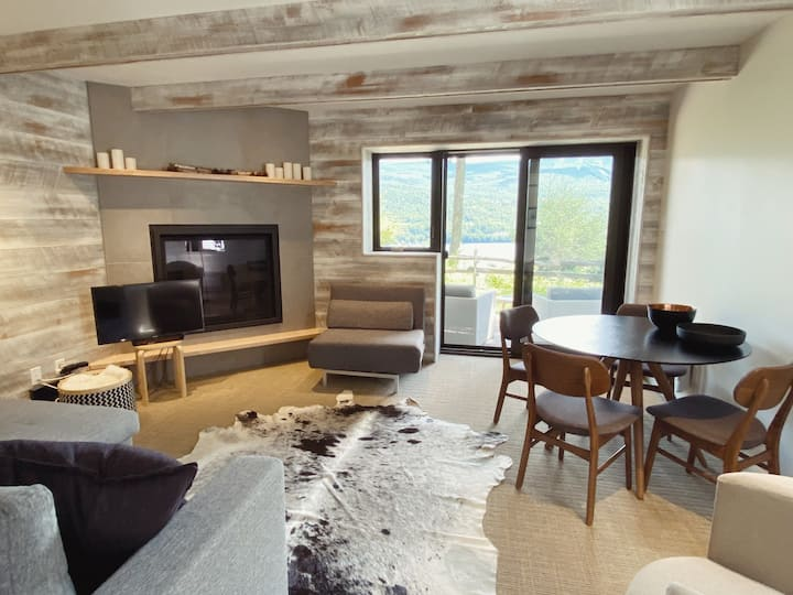 Rustic / Chic condo with view of Mont-Tremblant