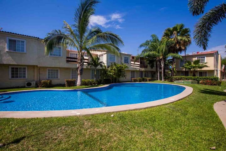 Gated Community - 10 minutes from beach - Private