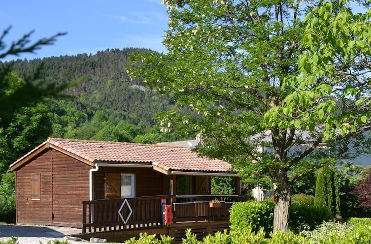 Chalet Montana PMR avec terrasse couverte.