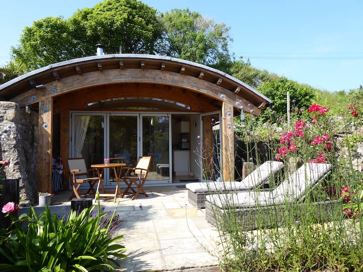 Manorbier- Unique Eco Coastal Cabin with Garden.