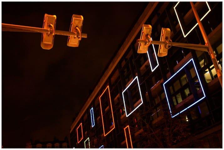 STUDIO de charme 50m métro CARMES