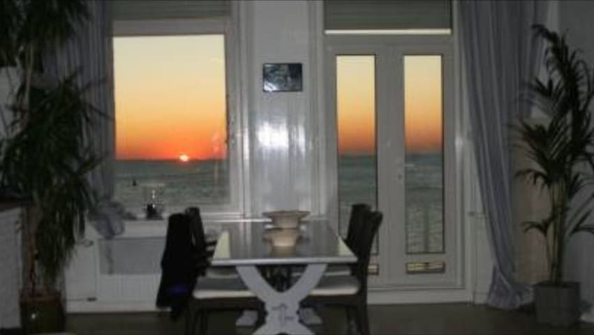 SunSeaBeachBoulevard apartment! - Vlissingen - Apartament