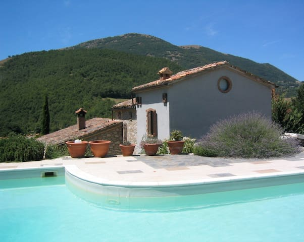 Beautiful Umbrian villa with pool - Umbertide - Villa