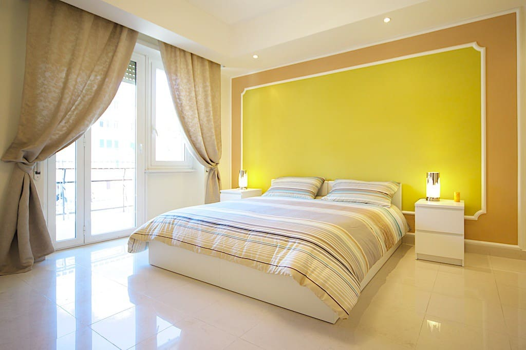 Master bedroom with other two pull-out single beds