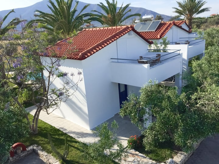 Your own independent house in Greece !