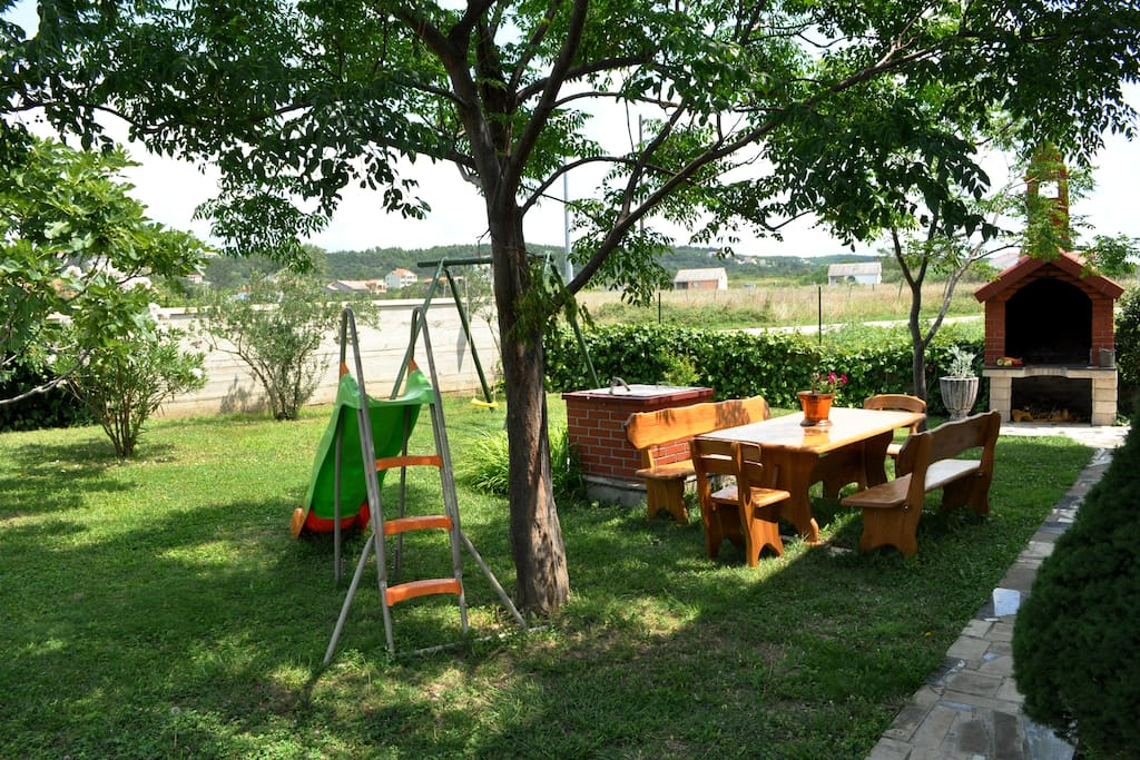 Playground, Barbecue and place to relax