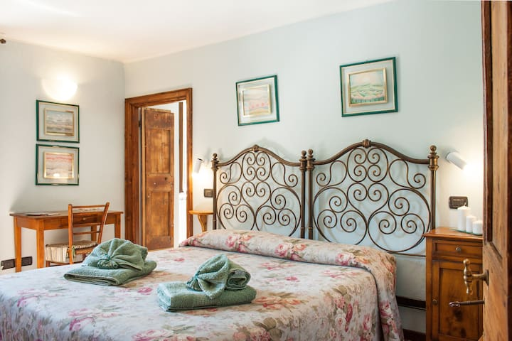 Casa antica di charme in Valsassina - Margno - Bed & Breakfast