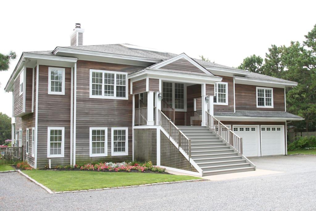 Southampton Luxury Estate (288)